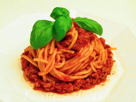 Spaghetti-al-ragù-bolognese-450x338