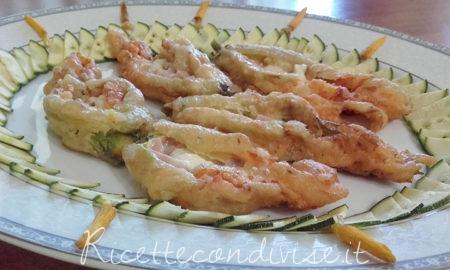 Fiori di zucca in pastella riepini di prosciutto cotto e mozzarella di Franco Graziano