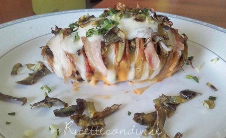 Patate-farcite-a-fisarmonica-con-formaggio-carciofi-e-pancetta--450x274