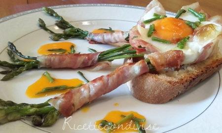 Crostini-primavera-con-cestini-di-uova-asparagi-e-pancetta-impiattati-450x270