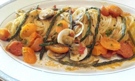 Spaghetti-quadrati-con-asparagi-pomodorini-vongole-e-bottarga-450x270