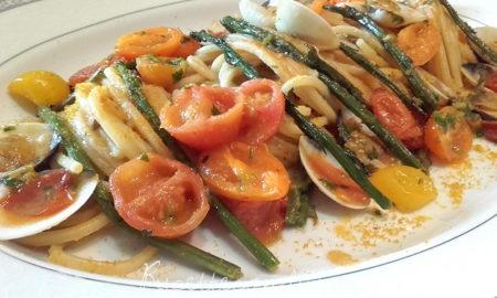 Spaghetti-quadrati-con-asparagi-vongole-pomodorini-e-bottarga-450x270