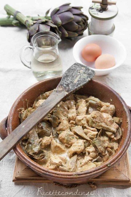 Fricassea-di-pollo-e-carciofi-per-Pasqua-450x675