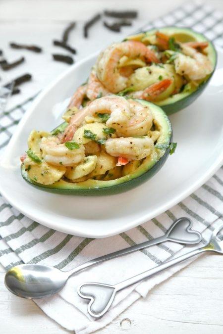 Avocado-ripieno-di-gamberi-450x675